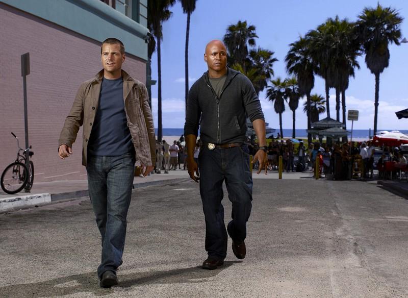 Una foto per le strade americane, di LL Cool J e Chris O'Donnell, per la serie NCIS: Los Angeles