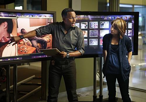 Anna Belknap ed Hill Harper in una scena dell'episodio Dead Reckoning di CSI New York