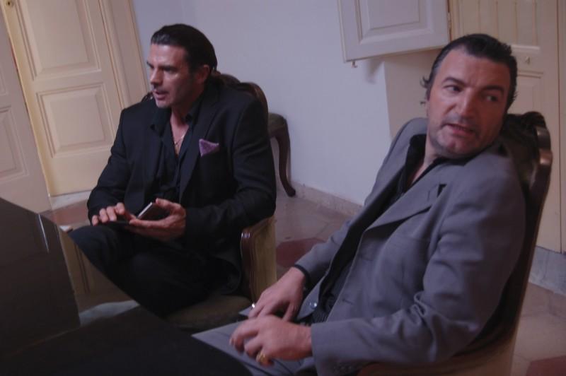Ezio Prosperi è un poliziotto infiltrato in una famiglia mafiosa nel film The Fall of Redemption