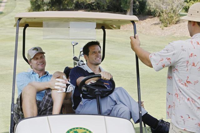 Josh Hopkins, Brian Van Holt ed Ian Gomez in un'immagine dell'episodio You Wreck Me di Cougar Town