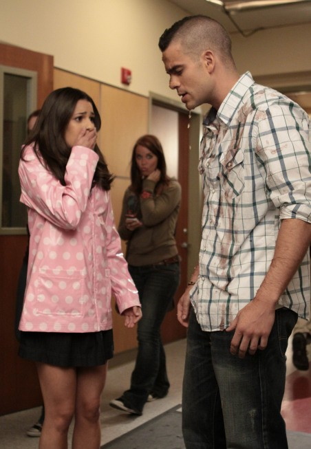 Mark Salling in un momento dell'episodio Mash-Up della serie Glee