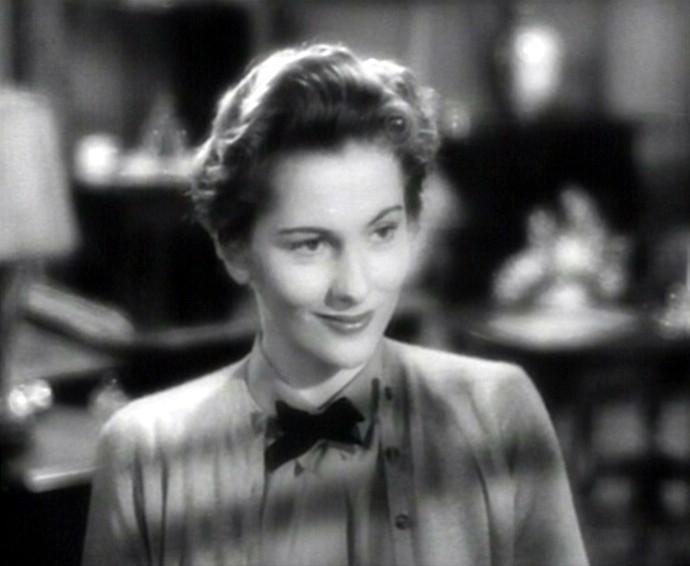 primo piano di Joan Fontaine in una scena del film Il sospetto ( 1941 )