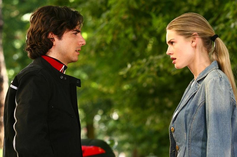 Luca Bastianello e Vanessa Hessler in una scena della fiction Una sera d'ottobre