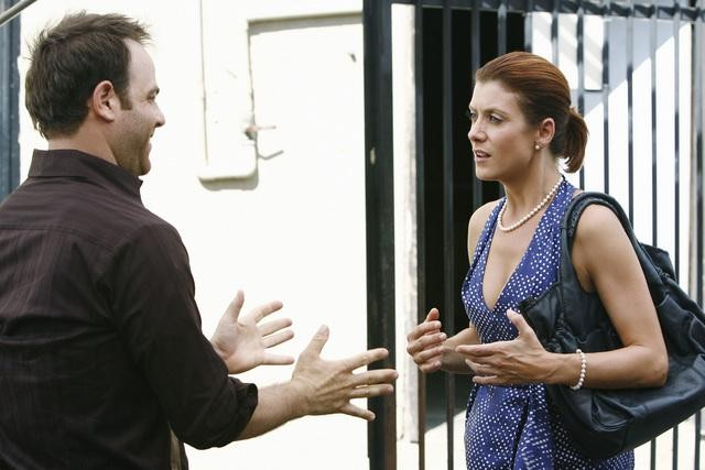 Paul Adelstein e Kate Walsh in una scena dell'episodio Pushing the Limits di Private Practice