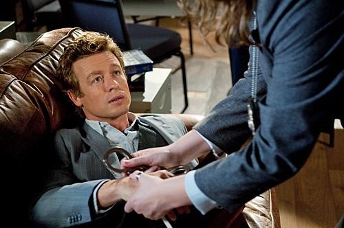 Simon Baker in un momento dell'episodio Black Gold and Red Blood di The Mentalist