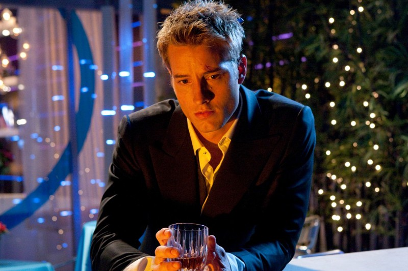 Un pensieroso Oliver (Justin Hartley) in un momento dell'episodio Echo della serie Smallville