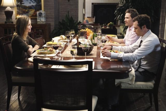 Brothers & Sisters: Calista Flockhart, Luke MacFarlane e Matthew Rhys nell'episodio Almost Normal