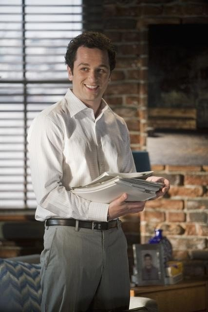 Brothers & Sisters: Matthew Rhys nell'episodio Breaking the News
