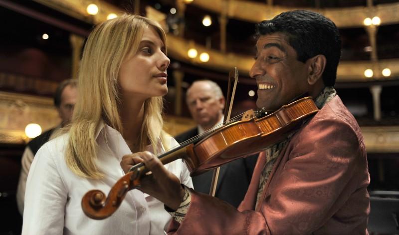 Un'immagine di Mélanie Laurent tratta dal film Il concerto