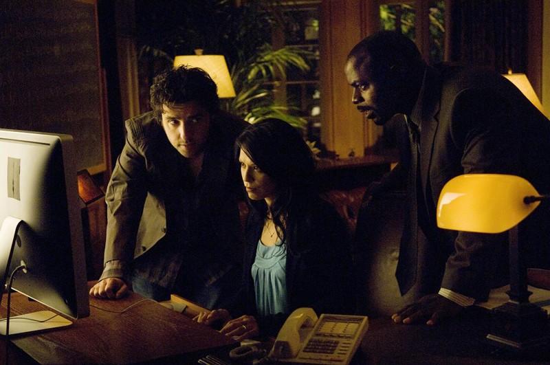 David Krumholtz, Navi Rawat e Alimi Ballard in un momento dell'episodio Friendly Fire
