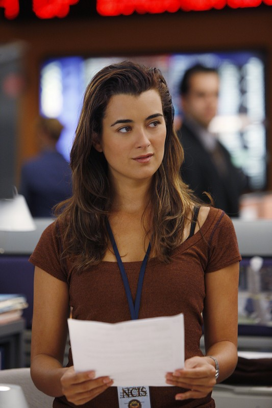 L'Agente Ziva David (Cote de Pablo) in una scena dell'episodio Good Cop, Bad Cop di Navy NCIS