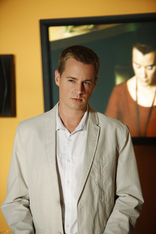 Sean Murray interpreta l'Agente Speciale McGee nell'episodio Good Cop, Bad Cop di Navy N.C.I.S.