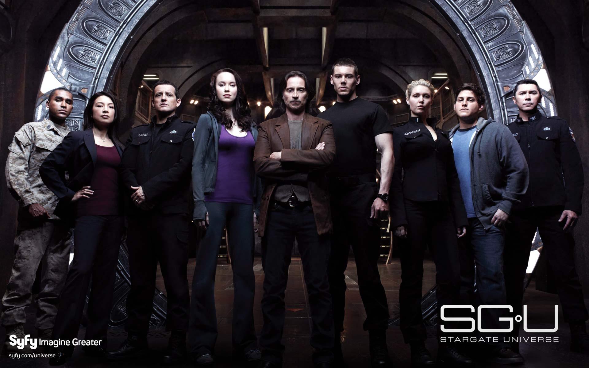 Un wallpaper con il cast di Stargate Universe