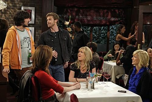 Accidentally on Purpose: Nicolas Wright, Jenna Elfman, Jon Foster ed Ashley Jensen nell'episodio The Love Guru