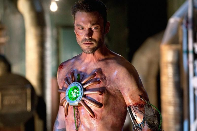 Brian Austin Green nel ruolo di Metallo/John Corben nell\'episodio Metallo di Smallville