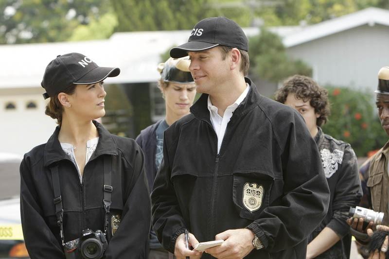 Cote de Pablo e Michael Weatherly in una scena dell'episodio Code of Conduct di Navy N.C.I.S.