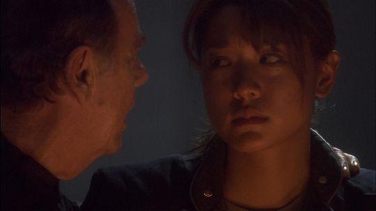 Dean Stockwell e Grace Park in una scena del film TV Battlestar Galactica: The Plan