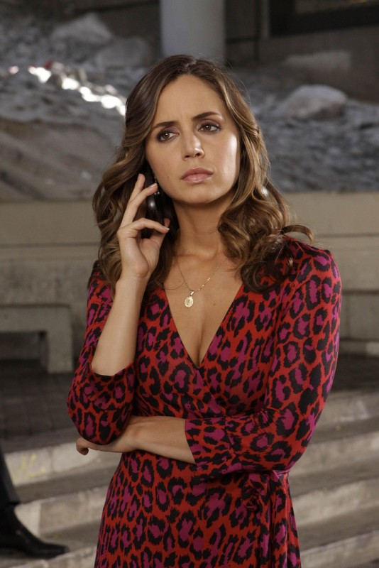 Dollhouse: Eliza Dushku nell'episodio The Public Eye