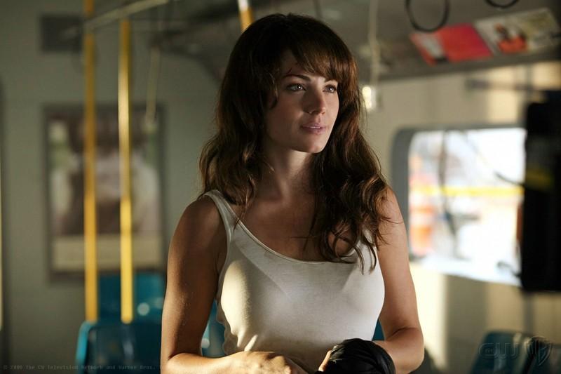 Erica Durance in una scena dell'episodio Savior di Smallville