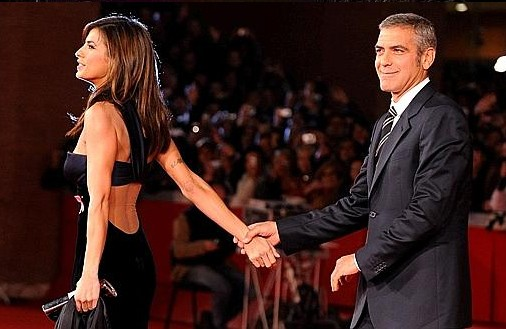 Festival di Roma 2009: Elisabetta Canalis sul red carpet con George Clooney