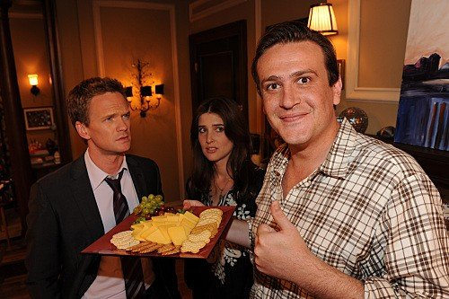 How I Met Your Mother: Cobie Smulders, Neil Patrick Harris e Jason Segel nell'episodio The Sexless Innkeeper