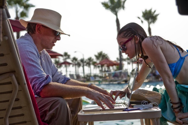 Lie to Me: Hayley McFarland e Tim Roth nell'episodio Control Factor