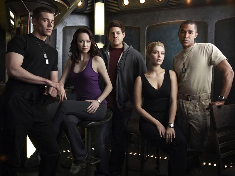 Parte del cast in una foto promozionale della first season di Stargate Universe