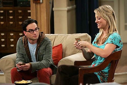 The Big Bang Theory: Johnny Galecki e Kaley Cuoco in una scena dell'episodio The Creepy Candy Coating Corollary