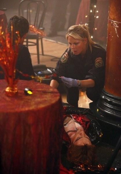 Trauma: Anastasia Griffith nell'episodio Masquerade