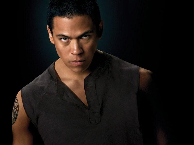 Una foto promozionale di Sam Uley (Chaske Spencer) per il film Twilight Saga: New Moon
