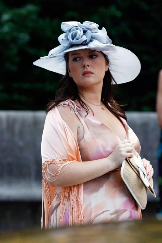 Zuzanna Szadkowski nell'episodio Rufus Getting Married di Gossip Girl
