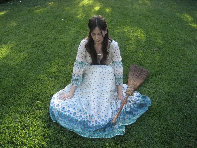 Adriana Garza nel ruolo di Athena nel film Paulo Coelho's The Experimental Witch