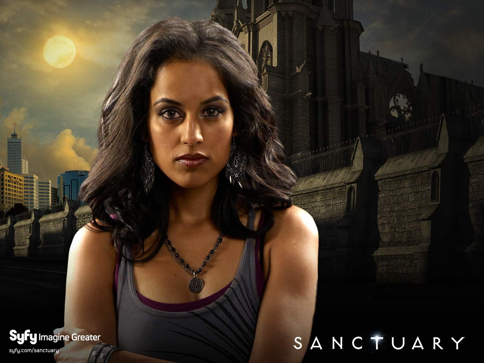 Agam Darshi in un wallpaper della serie Sanctuary