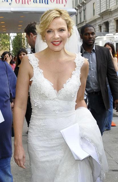 Kim Cattrall vestita da sposa sul set di Sex and the City 2: nozze in vista per Samantha Jones?