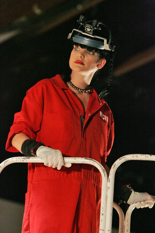 Abby (Pauley Perrette) nell'episodio Outlaws and In-Laws di Navy NCIS
