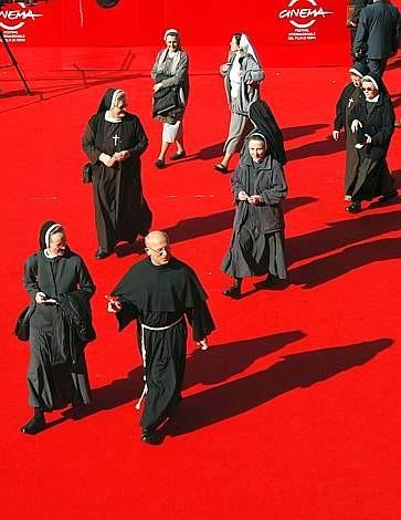 Festival di Roma 2009: una folla di suore sul red carpet per Popieluszko