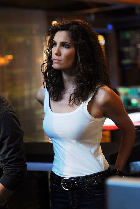 L'Agente Kensi Blye (Daniela Ruah) nell'episodio Killshot di NCIS: Los Angeles