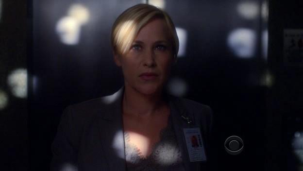 Medium: una visione 'stroboscopica' per Patricia Arquette nell'episodio 'Who's That Girl', della sesta stagione.