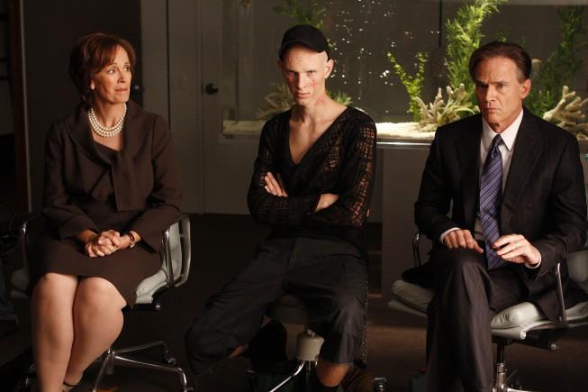 Nip/Tuck: Joan McMurtrey, Parker Croft e Todd Waring in una scena della stagione 6