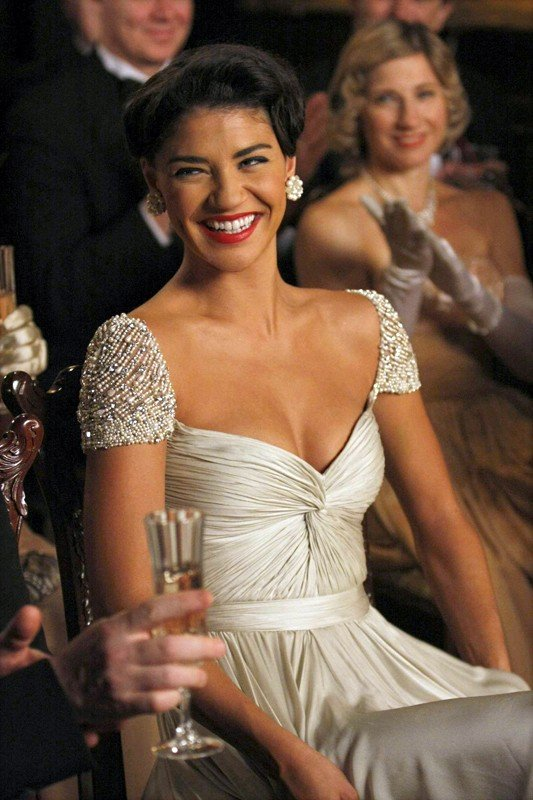 Una sorridente Vanessa (Jessica Szohr) in una scena dell'episodio Enough About Eve di Gossip Girl