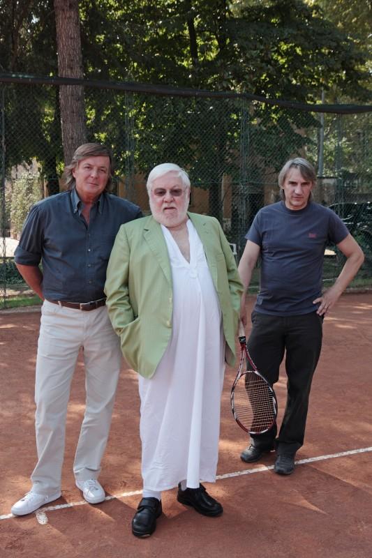 Adriano Panatta, Paolo Villaggio  eMimmo Calopresti nel documentario La maglietta rossa