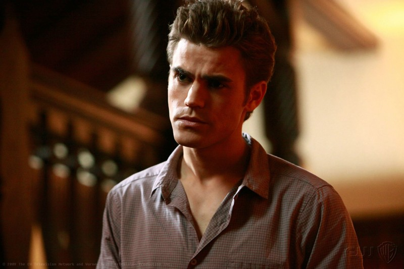 Un primo piano di Paul Wesley in una scena dell'episodio Haunted di The Vampire Diaries