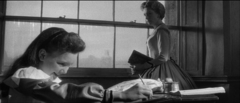 Deborah Kerr e Pamela Franklin in una sequenza del film Suspense ( 1961 )