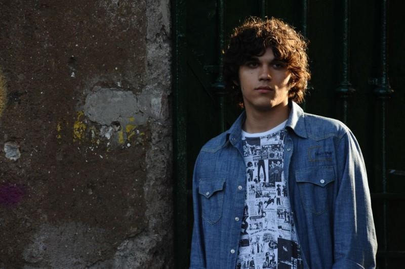 Giuseppe Maggio in una scena del film Amore 14