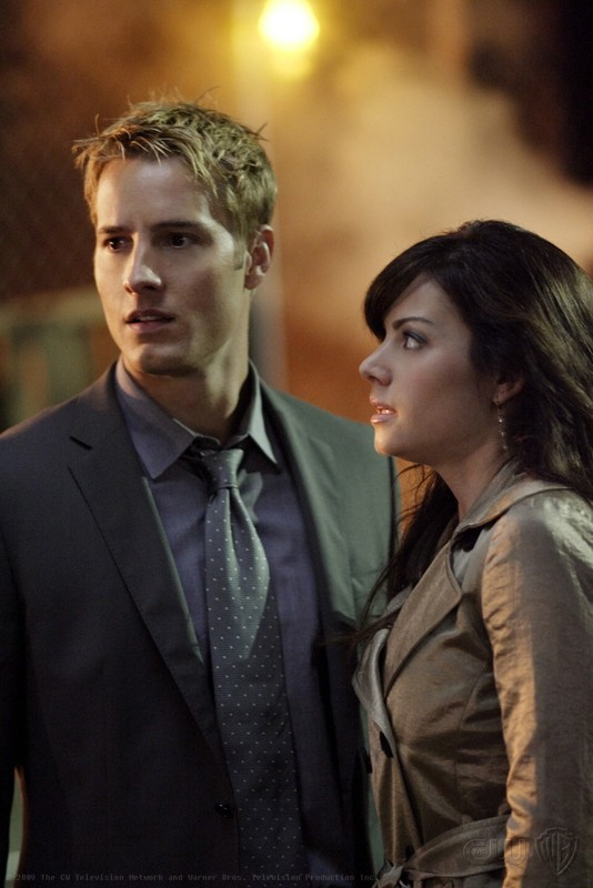 Oliver (Justin Hartley) e Lois Lane (Erica Durance) nell'episodio Crossfire di Smallville