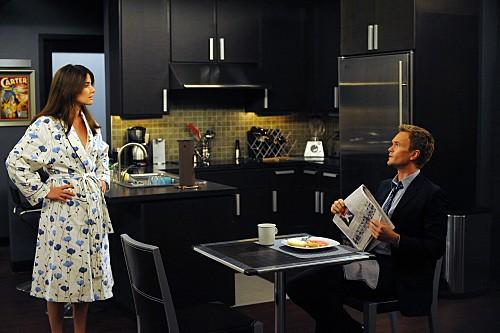 Alyson Hannigan e Neil Patrick Harris in un momento dell'episodio Bagpipes di How I Met Your Mother
