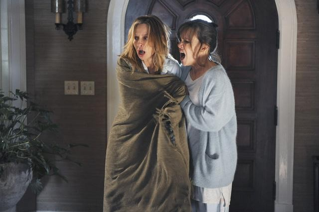 Brothers & Sisters: Calista Flockhart e Sally Field nell'episodio Zen & the Art of Mole Making