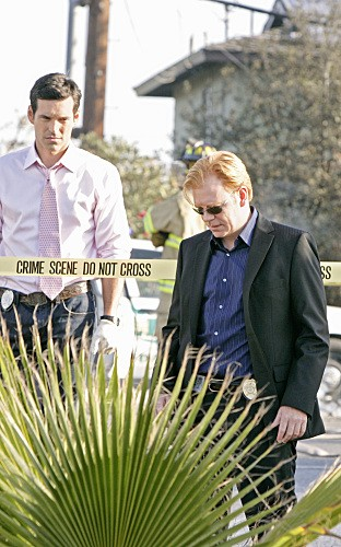CSI Miami: Eddie Cibrian e David Caruso nell'episodio Point of Impact