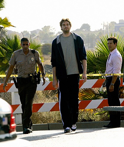 CSI Miami: Pau Gasol ed Eddie Cibrian nell'episodio Point of Impact