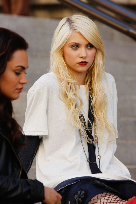 Jenny (Taylor Momsen) nell'episodio How to Succeed in Bassness di Gossip Girl